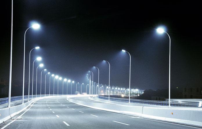 img-luminarias-solares-calles-y-caminos-01