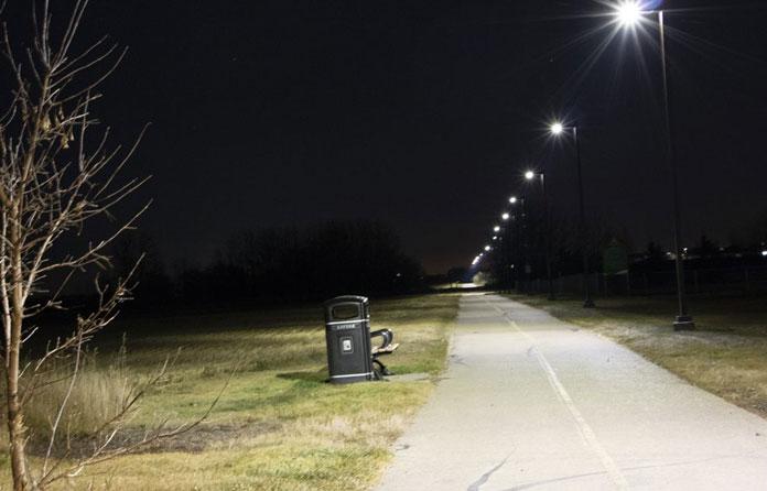 img-luminarias-solares-calles-y-caminos-03