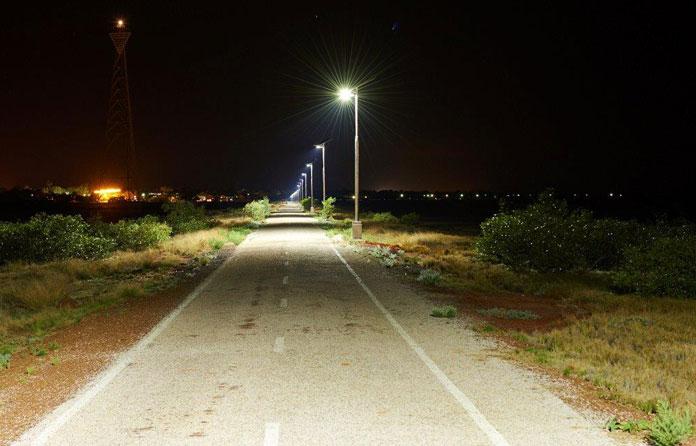 img-luminarias-solares-calles-y-caminos-04