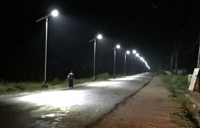 img-luminarias-solares-calles-y-caminos-06