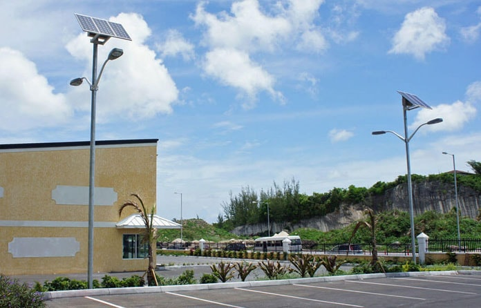 img-luminarias-solares-estacionamientos-06